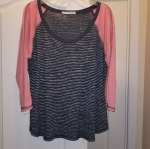 Maurices size 1 baseball style t shirt